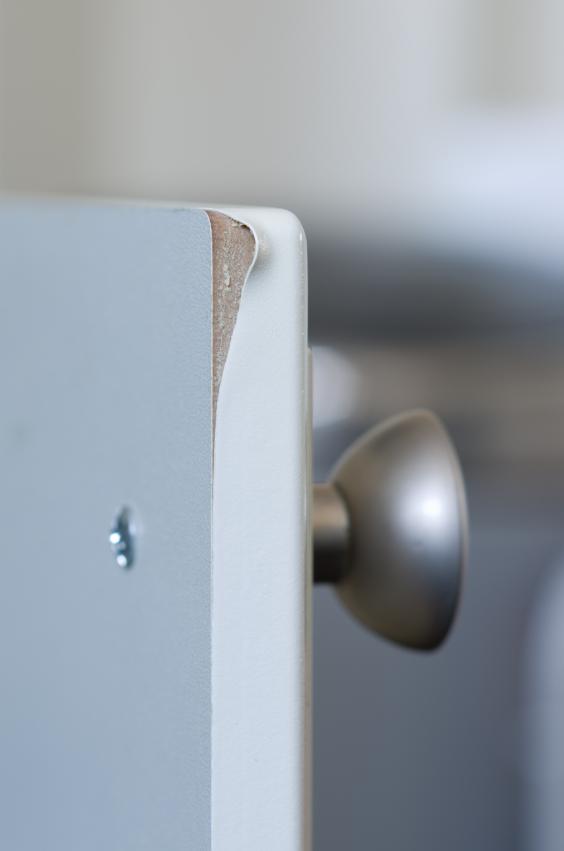 Consejos para la limpieza de puertas lacadas lacados for Limpiar puertas lacadas blancas amarillentas