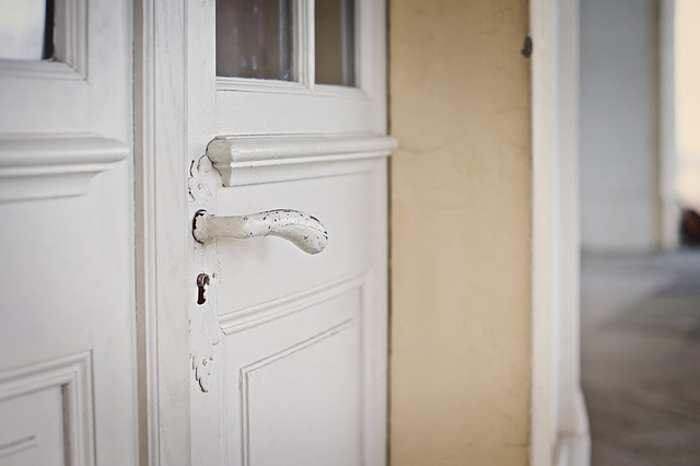 Puerta sin lacar